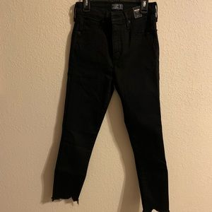 Ankle length Skinny jeans.